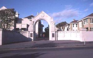 New Plym Gate